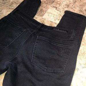 Rock & Republic Black Skinnies